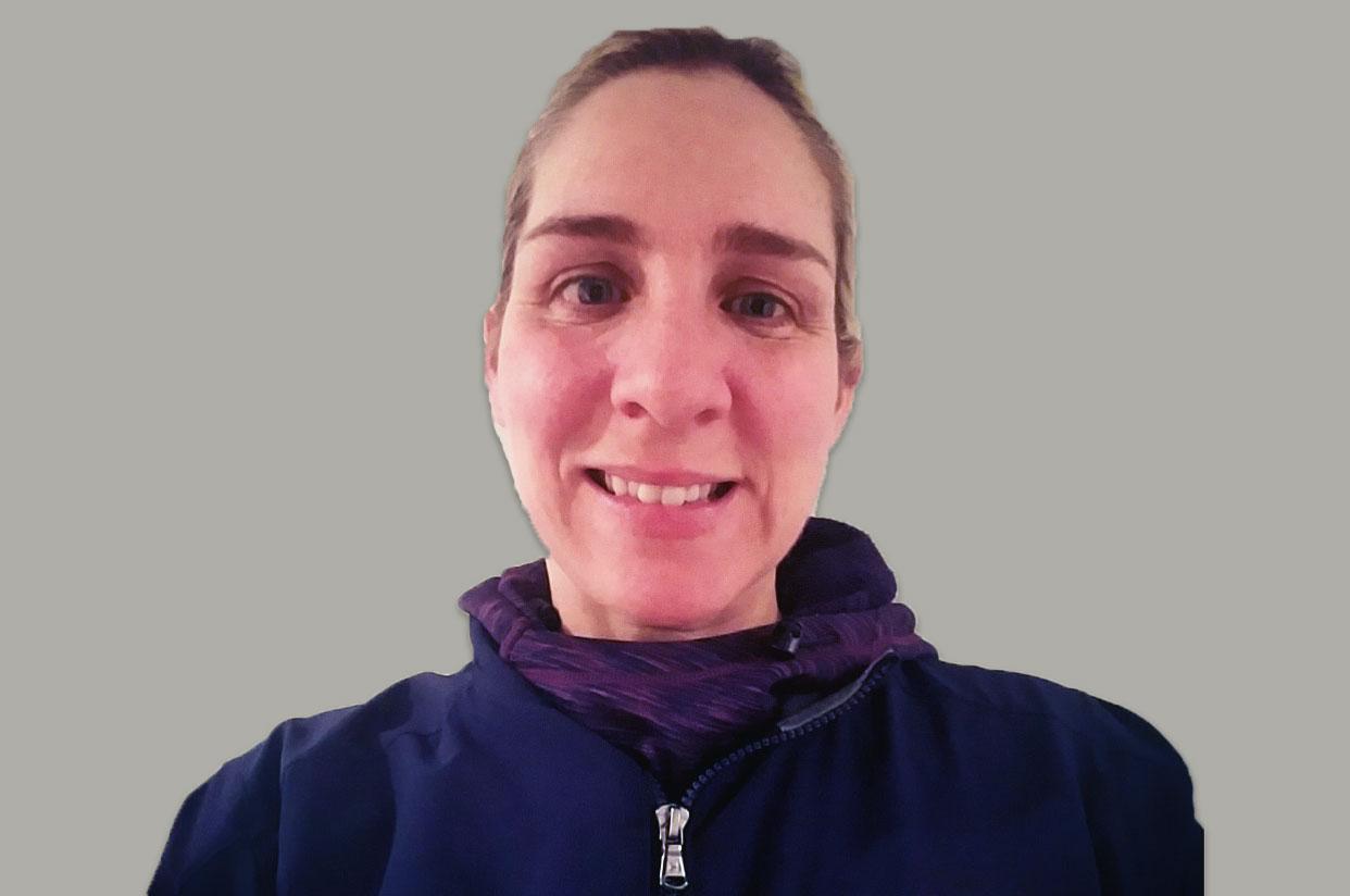 Julie Lenz Headshot